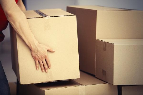 Csomagolás, költözés